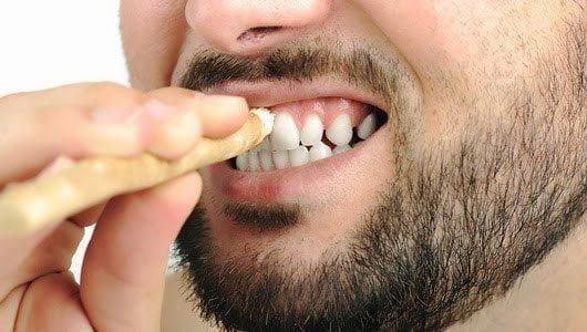 Penyebab Bau Mulut dan Cara Mengatasinya